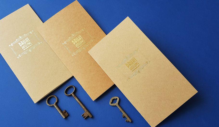 notesy_druki hotelowe_notesy firmowe_notes zszywany_złocone logo