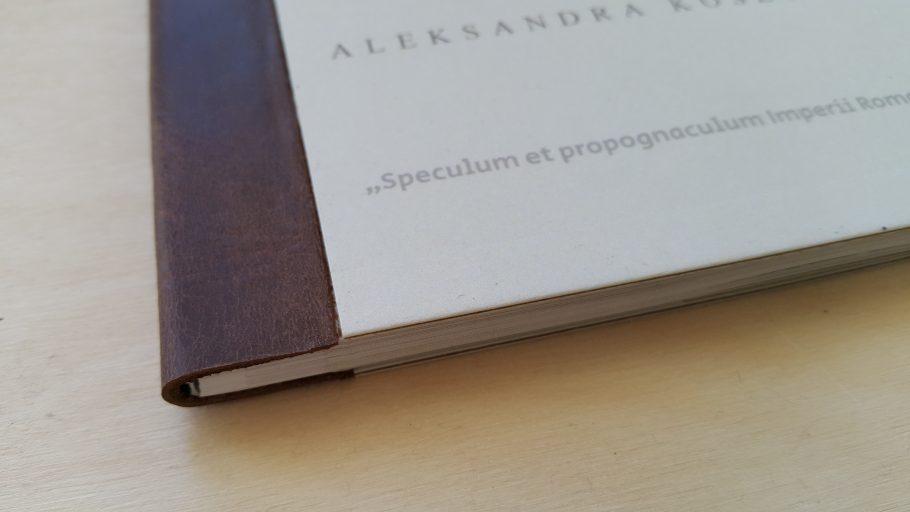 druki artystyczne_menu restauracyjne_skorzane wykonczenia
